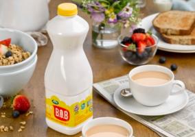"UK: Arla launches ""Best Of Both"" milk"